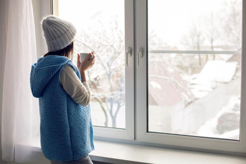 Nieszczelne okna /©123RF/PICSEL