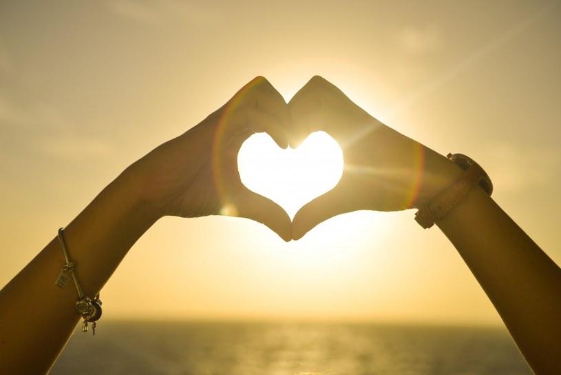 Nieszczęśliwa miłość może boleć /visualhunt /Internet