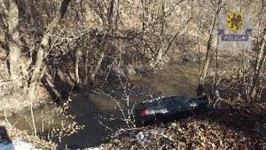 Nieszczęsny wypadek. Auto wjechało do rzeki