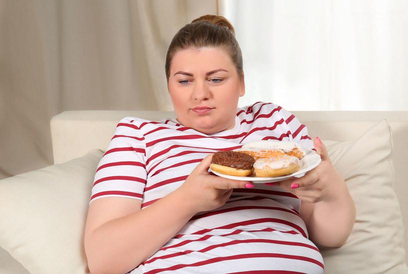 Nietolerowanie uczucia głodu jest zabójcze dla smukłej figury /123RF/PICSEL