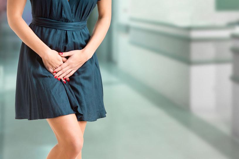 Nietrzymanie moczu to wciąż temat tabu /123RF/PICSEL
