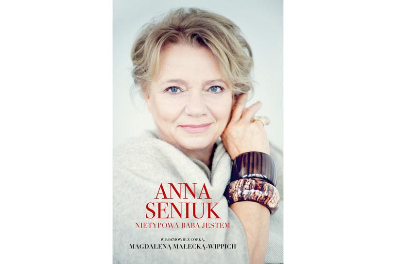 """""""Nietypowa baba jestem, czyli Anna Seniuk w rozmowie z córką Magdaleną Małecką-Wippich"""" /materiały prasowe"""