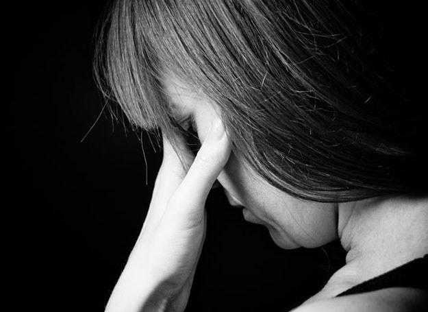 Niewątpliwie najbardziej niebezpiecznym zaburzeniem psychicznym występującym po urodzeniu dziecka jest psychoza poporodowa /123RF/PICSEL