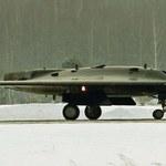 Niewidzialny rosyjski dron  S-70 Okhotnik wystartuje w 2024 roku