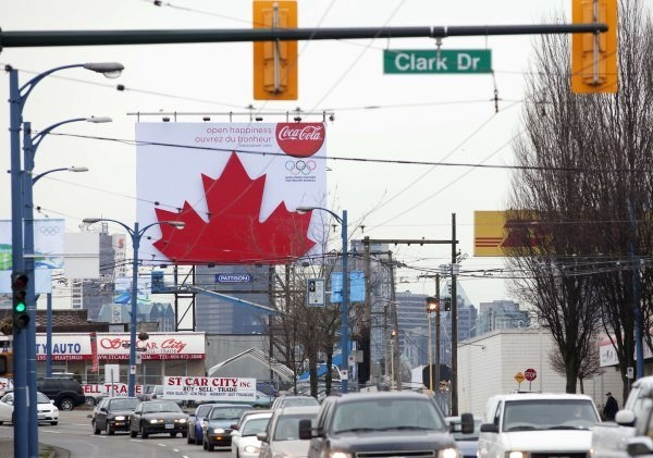 Niewielu polskich kibiców dotrze z Polski do Vancouver /AFP