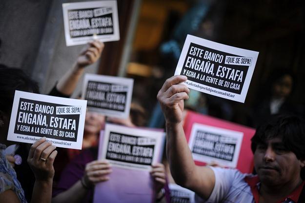 Niewielu rodaków zdecydowało się opuścić Hiszpanię /AFP