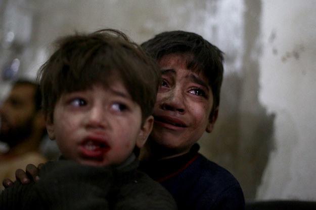Niewinne i bezbronne dzieci najdotkliwiej odczuwają horror wojny fot. Abd Doumany /AFP