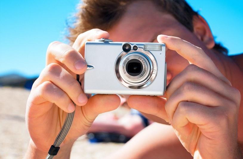 Niewinnie wyglądający aparat może zostać wykorzystany do cyberataku /123RF/PICSEL