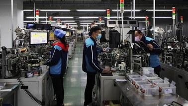 Niewolnicza praca Ujgurów w Chinach. Korzystają z niej 83 światowe koncerny