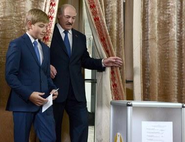 Niezależni obserwatorzy: Podczas wyborów na Białorusi łamano prawo