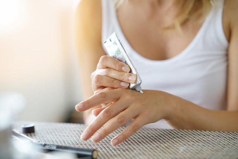 Niezbędne zabiegi przy częstym myciu rąk /123RF/PICSEL