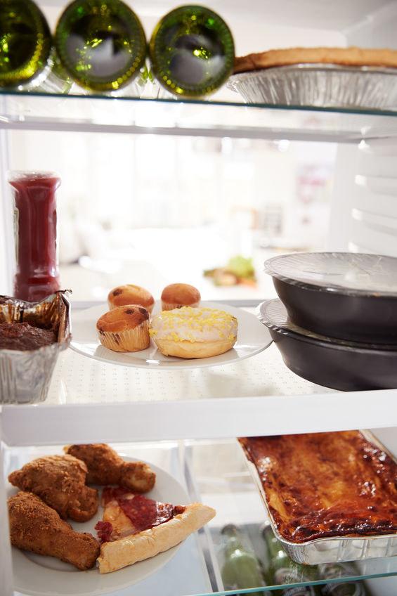 Niezdrowe jedzenie /©123RF/PICSEL