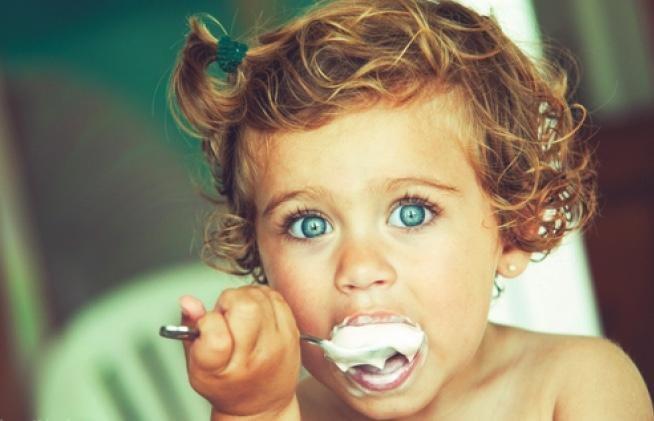 Niezdrowe jogurty /© Photogenica