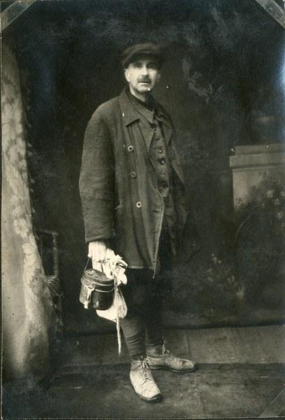 Płk. Leon Wacław Koc po dotarciu do pierwszych oddziałów polskich, Buzułuk 9 X 1941 r. AAN, Akta Leona Wacława Koca, sygn. 21.