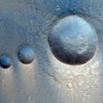 Niezwykłe kratery na Marsie - ułożone jak przez człowieka
