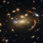 Niezwykłe zdjęcie Hubble'a - soczewkowanie grawitacyjne w pełnej krasie