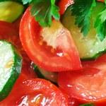 Nigdy nie mieszaj pomidorów i ogórków w tej samej sałatce