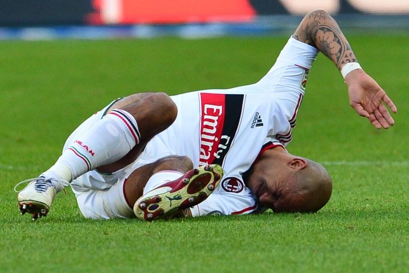 Nigel De Jong doznał kontuzji w meczu z Torino /AFP