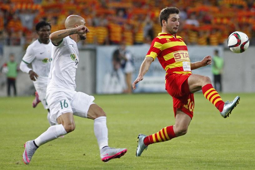 Nika Dżalamidze (z prawej) z Jagiellonii był bardzo aktywny w meczu z Omonią Nikozja /Artur Reszko /PAP