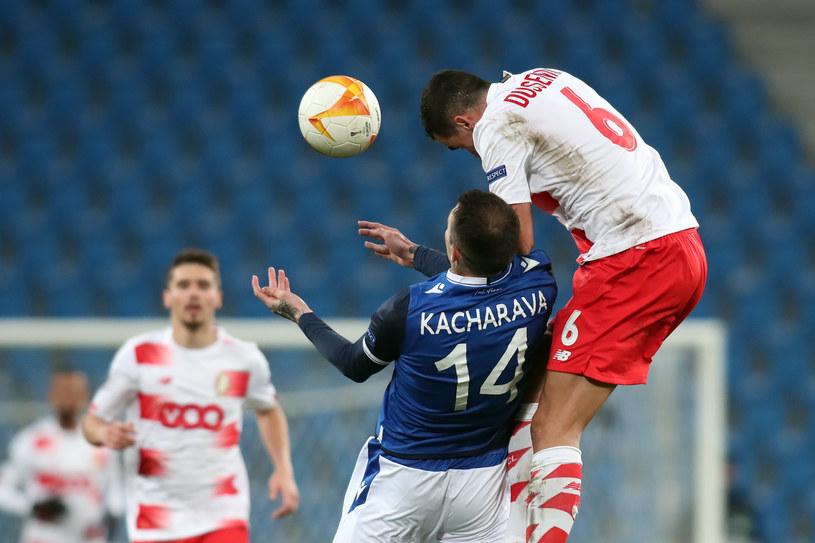 Nika Kaczarawa w meczu Lech Poznań - Standard Liege /JAKUB PIASECKI / CYFRASPORT / NEWSPIX.PL /Newspix