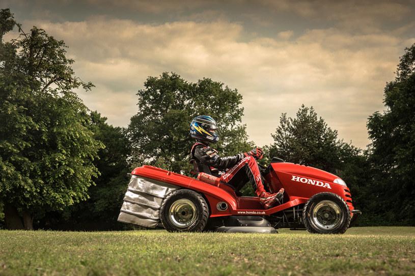 """""""Nikczemna"""" Honda to prawdziwa bestia! A przy tym nadal potrafi skosić trawnik /materiały prasowe"""