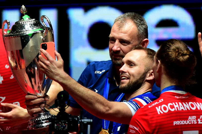 Nikola Grbić i Paweł Zatoski z trofeum /Pier Marco Tacca /Getty Images