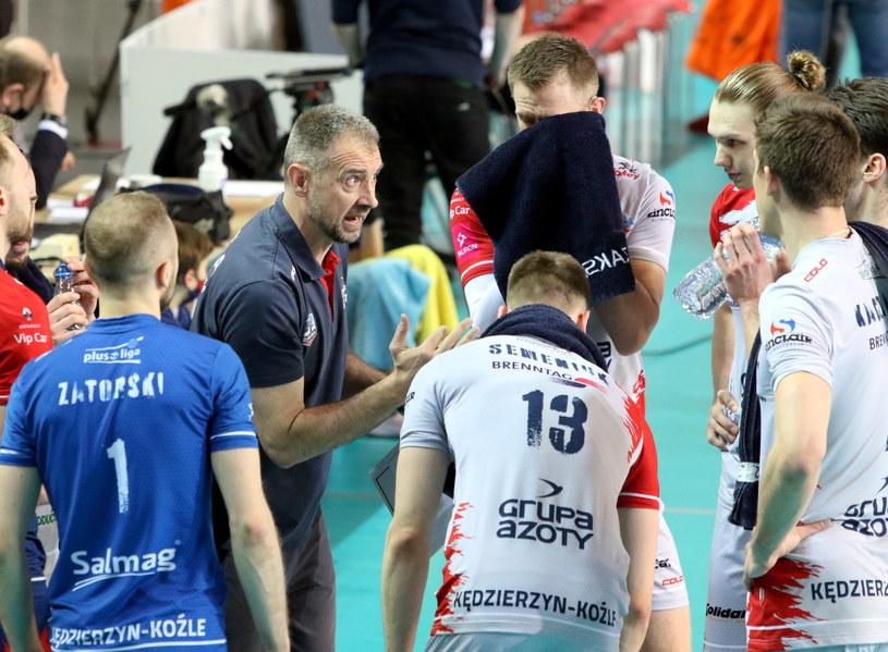 Nikola Grbić z siatkarzami ZAKS-y /Krzysztof Świderski /PAP