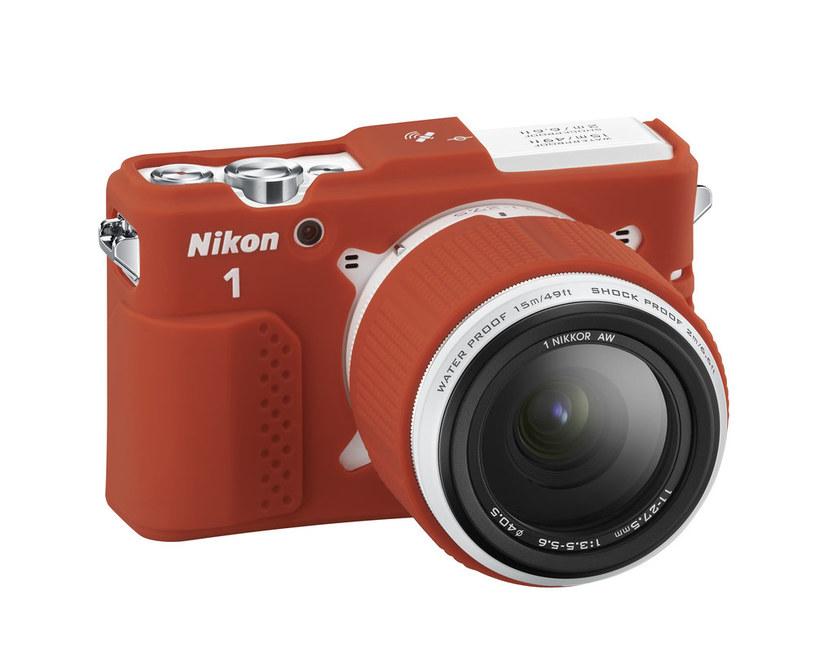 Nikon 1 AW1 - wodoszczelny aparat z wymienną optyką /materiały prasowe