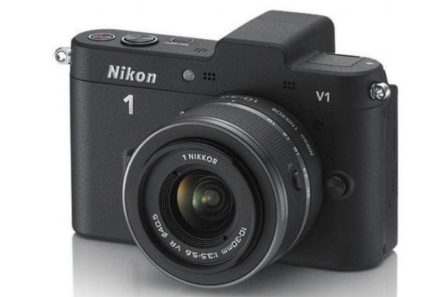 Nikon 1 V1 to pierwszy bezlusterkowiec w ofercie japońskiego giganta /materiały prasowe