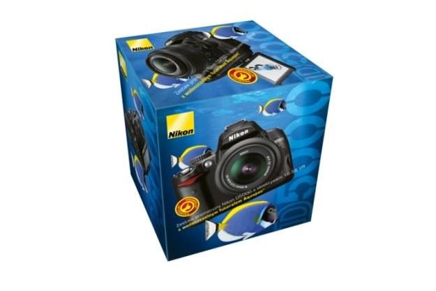 Nikon D5000 w zestawie z wodoszczelnym futerałem Aquapac /materiały prasowe