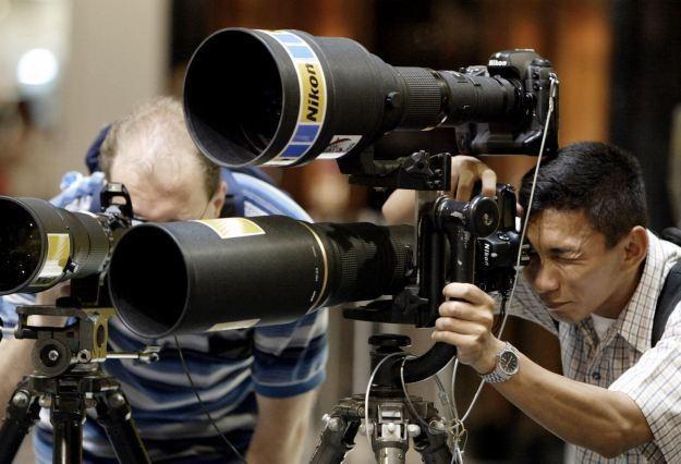 Nikon wyprodukował już 70 mln obiektywów do lustrzanek /AFP