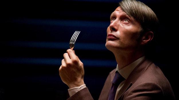 Nikt nie wie, co doktor Lecter (Mads Mikkelsen) myśli o ofiarach straszliwych zbrodni. /materiały prasowe