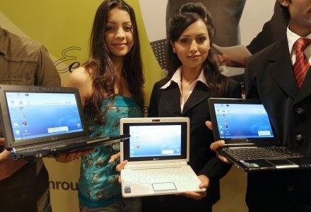 Nikt się tego nie spodziewał, ale Eee PC okazał się kolejnym krokiem w rozwoju mobilnych komputerów /AFP
