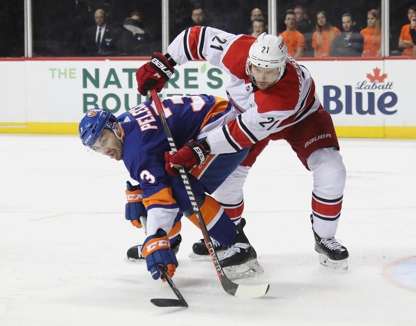 Nino Niederreiter z meczu z New York Islanders /AFP