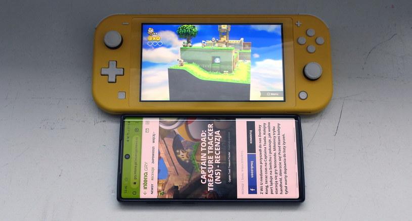 Nintendo Switch Lite i Samsung Galaxy Note10 - ekran o przekątnej 5,5 cali i ekran o przekątnej 6,3 cala w Note10 /INTERIA.PL