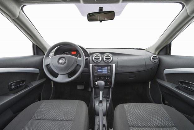 Nissan almera /