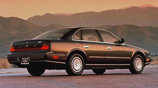 Nissan Infiniti mniej przypomina europejskie wzorce. Oprócz limuzyny samochód ten wytwarzany ma być również w wersji coupé i cabrio. /Infiniti