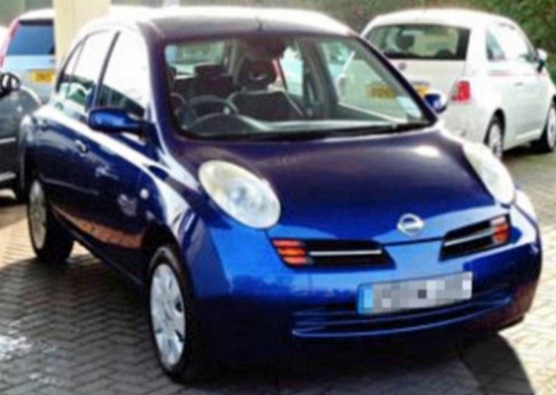 Nissan Micra, którego David Cameron kupił żonie /