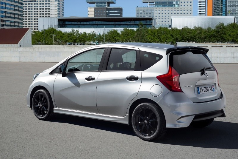 Nissan Note Black Edition /