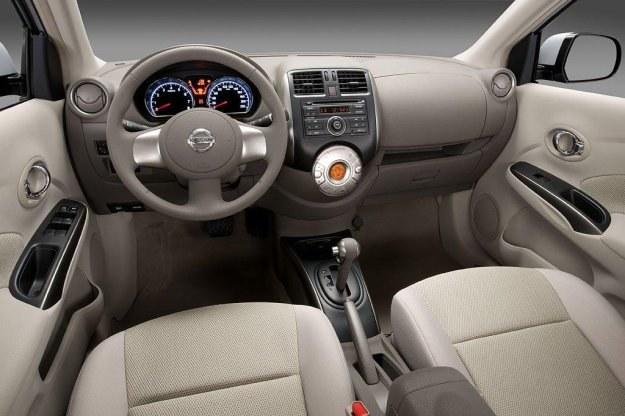 Nissan sunny /