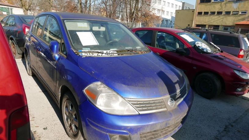Nissan Tiida z 2008 roku. Cena 3975 zł / Fot: Zarząd Dróg Miasta Krakowa /