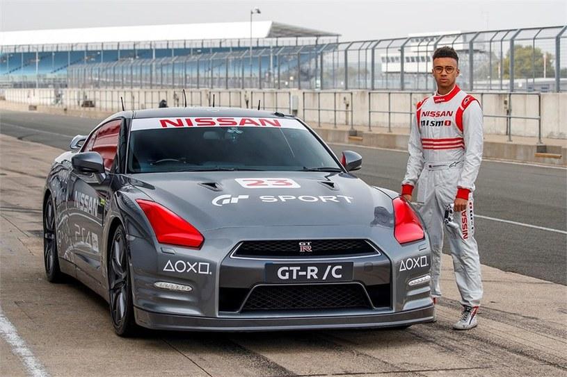 Nissana GT-R/C - zdalnie sterowany samochód dla graczy /INTERIA.PL/informacje prasowe
