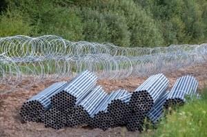 Niszczyli płot na granicy z Białorusią. Michał Dworczyk: Zachowują się jak pożyteczni idioci