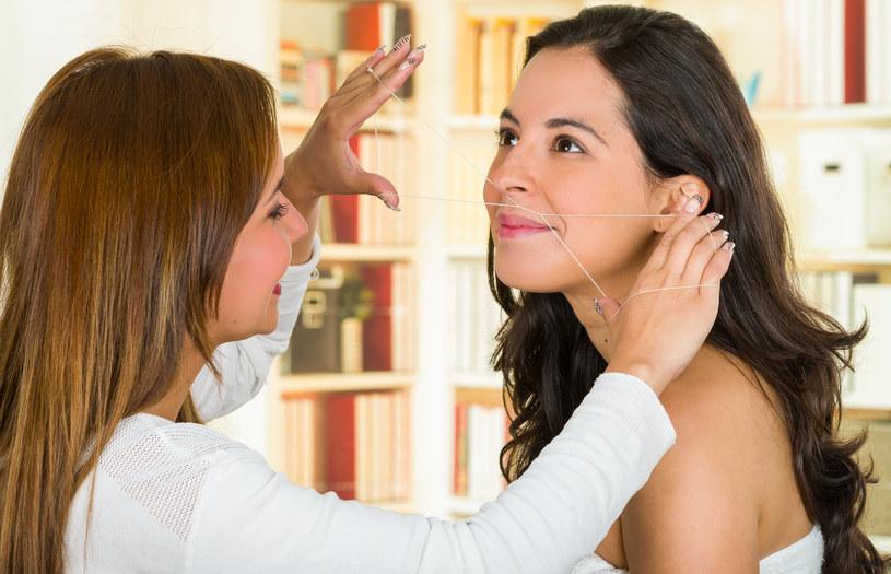 Nitkowanie, czyli depilacja turecka (arabska)