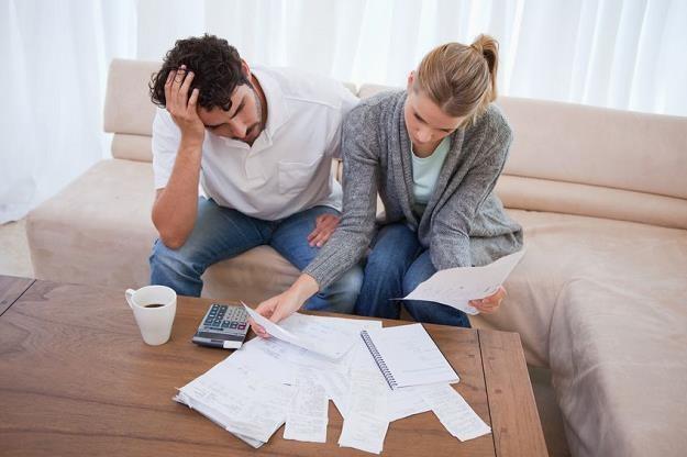 Niższe raty kredytu we frankach? Tak, ale bank zażąda zaświadczenia o zarobkach /©123RF/PICSEL