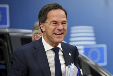 Nocne rozmowy na szczycie w Brukseli. Premier Holandii: Każdy troszczy się o swój własny kraj