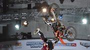 Nocne skoki na motocyklu