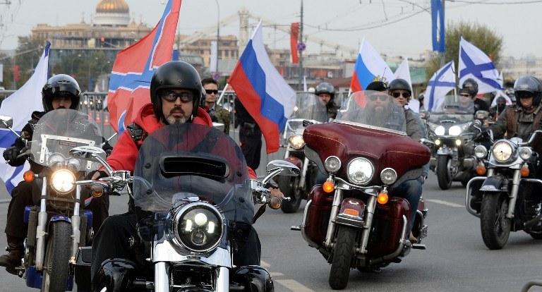"""""""Nocne Wilki"""" zamierzają przejechać przez Polskę /AFP"""