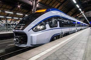 """Nocny pociąg PKP Intercity """"Karkonosze"""". Pasażerom trudno w nim zasnąć"""