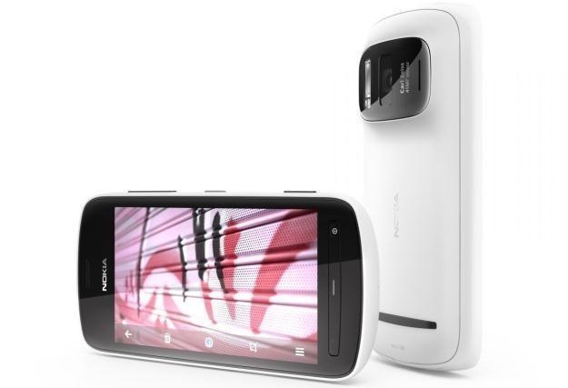 Nokia 808 PureView /materiały prasowe
